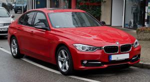 1280px-BMW_320d_Sport_Line_(F30)_–_Frontansicht,_26._Februar_2012,_Wülfrath